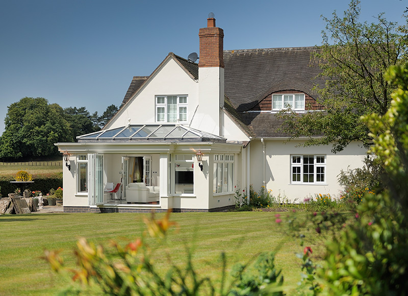 How you can find and buy the right orangery...